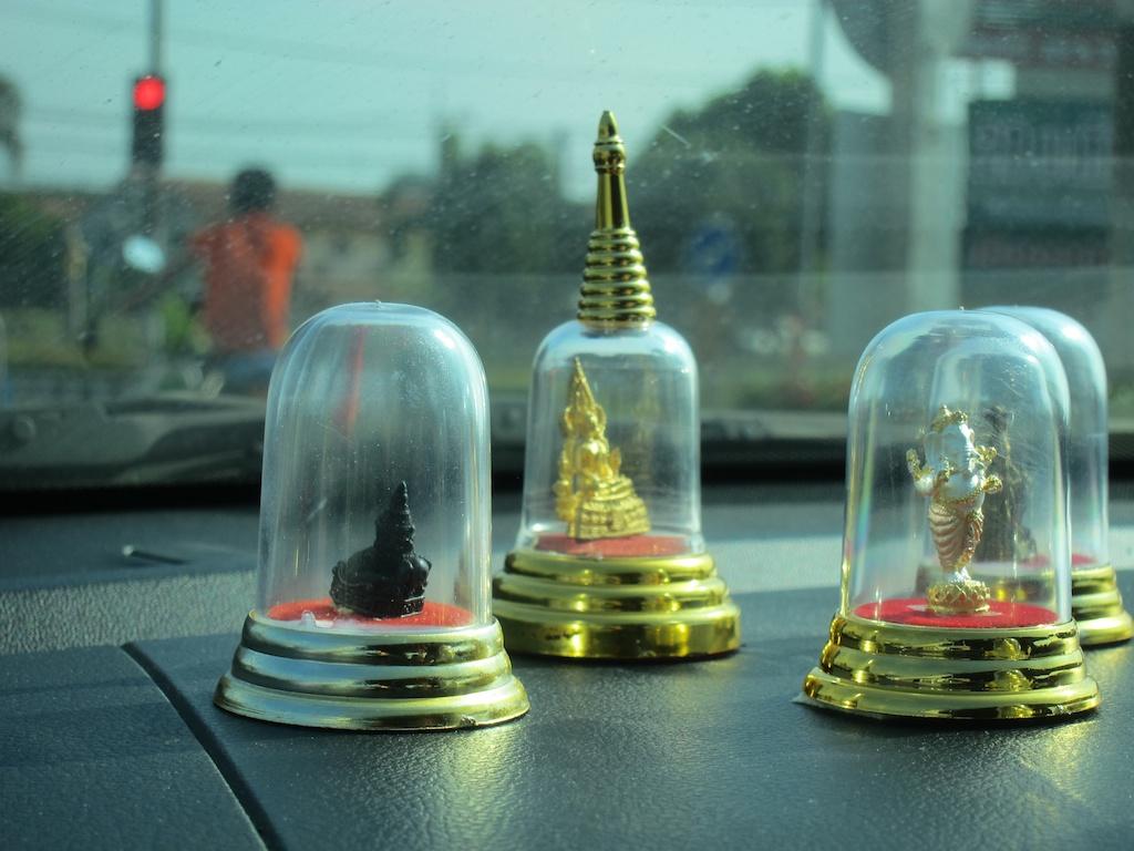 amulettes automobiles