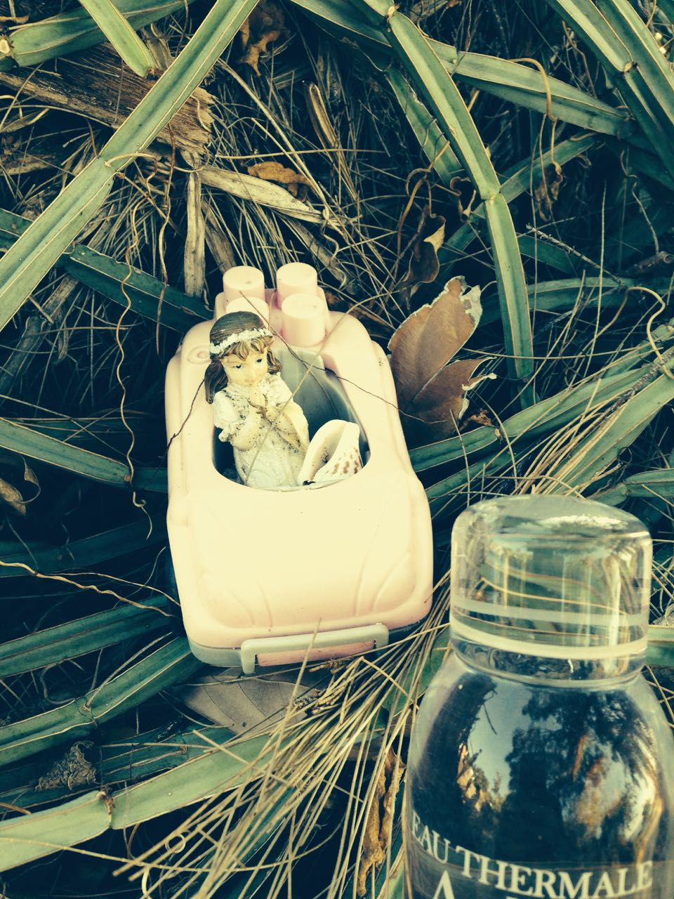 voiture et poupée
